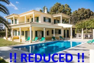 Villa for sale in Portimao, Algarve...