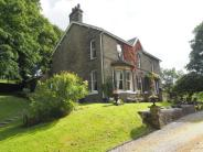5 bed Detached property in Chapel-en-le-Frith...