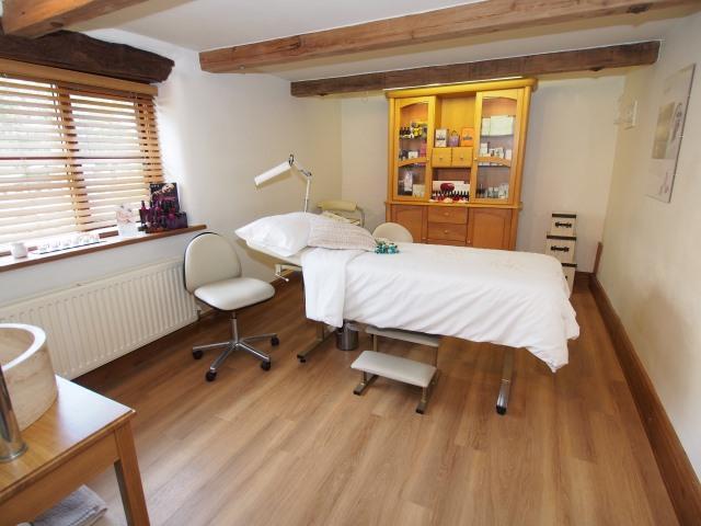 4 bedroom barn conversion for sale in station approach chapel en le frith high peak Garage conversion master bedroom suite