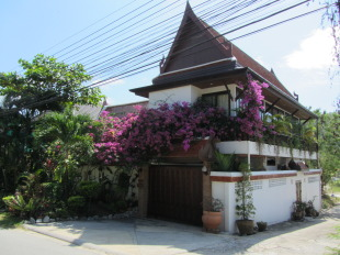 4 bed Villa for sale in Phuket