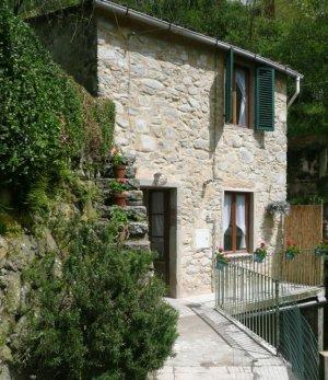 2 bedroom property for sale in Bagni Di Lucca, Tuscany...