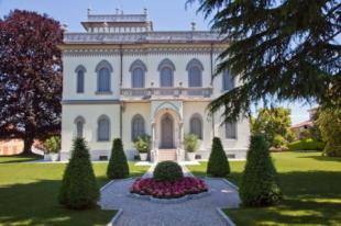 6 bedroom Villa in Stresa, Piedmont, Italy