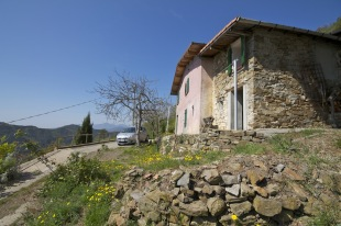 2 bed house for sale in Liguria, Imperia, Baiardo