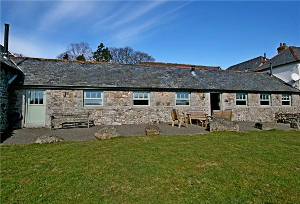3 bedroom terraced house for sale in hay tor cottage