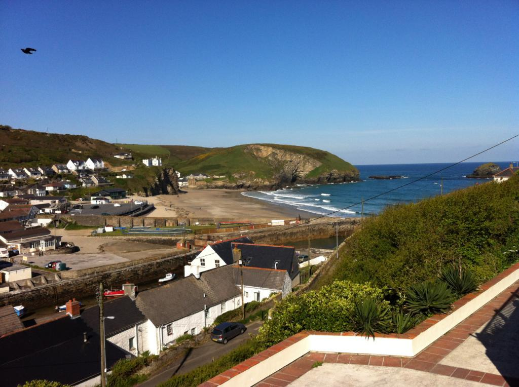 5 bedroom detached house for sale in lighthouse hill portreath cornwall tr16