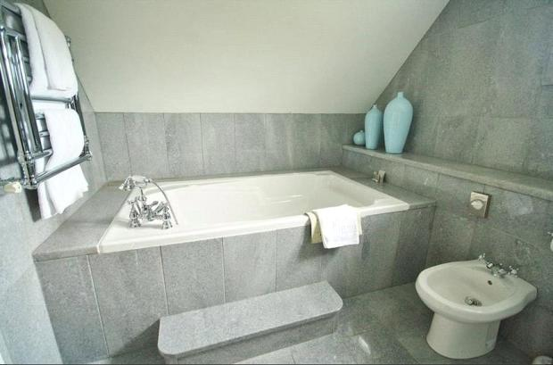 Poppy Bathroom