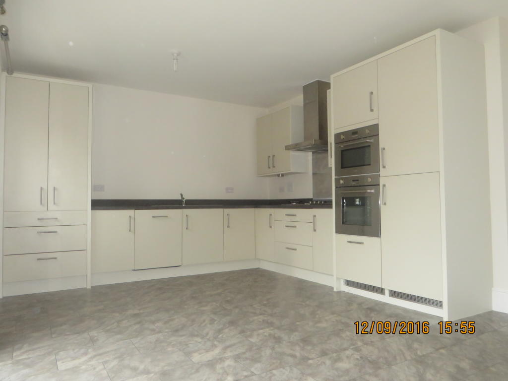 3 Bedroom House To Rent In Newton Abbot TQ12