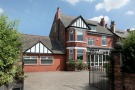 6 bedroom Detached home in Stockport Road, Timperley