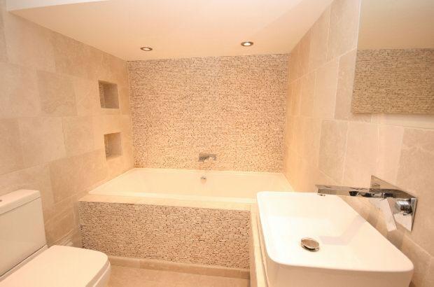 Principal Bathroom 2