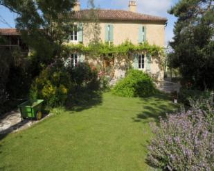 5 bed Country House for sale in Seissan, Le Gers, France
