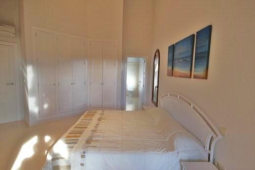 Bedroom to En Suite