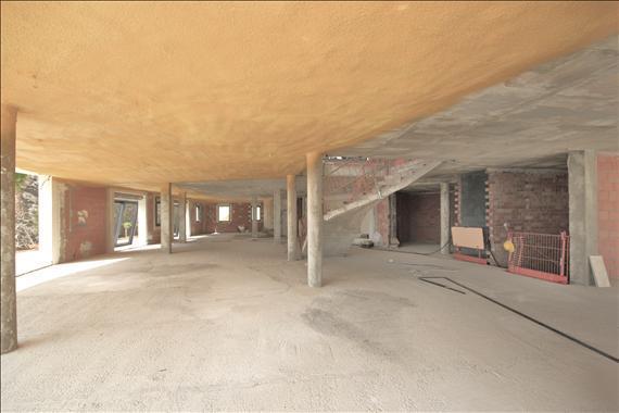 centre Floor