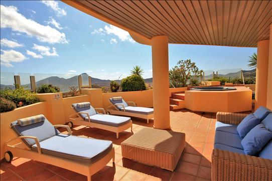 Terrace to Jacuzzi