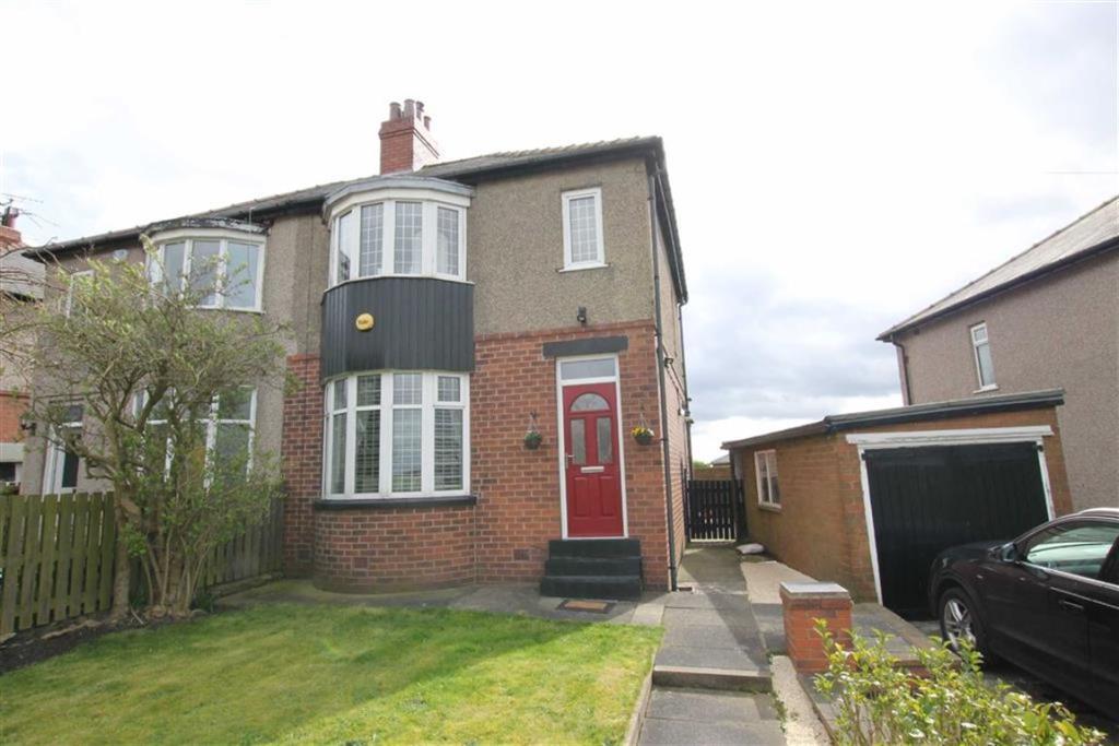 3 bedroom semi-detached house for sale Hunsworth Lane, Bradford, West Yorkshire