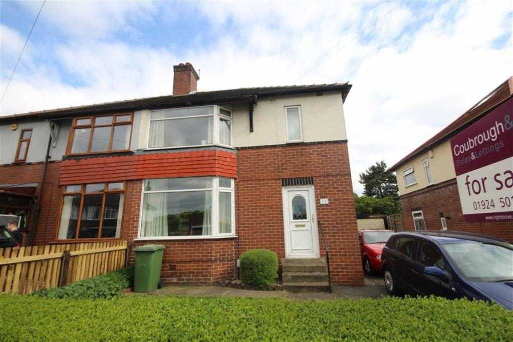 3 bedroom semi-detached house  Berwick Avenue, Heckmondwike