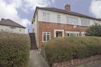 2 bed Maisonette in Northdown Close, Ruislip...