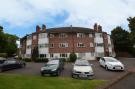 Apartment to rent in Bath Road, Taplow...
