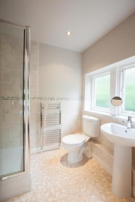 Guest Suite Shower R