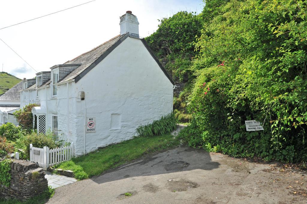 3 Bedroom Cottage For Sale In 3 Roscarrock Hill Port