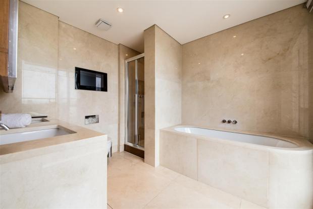 first bedroom bathro