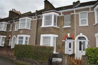 3 bed property to rent in Marsala Road, SE13