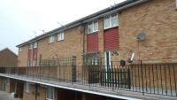 Maisonette for sale in Florence Road, Feltham...