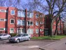 2 bedroom Flat in Fenners Lawn...
