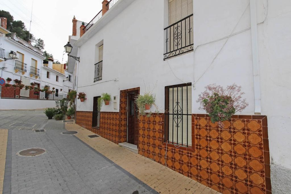 4 bedroom Terraced home in Monda, Málaga, Andalusia