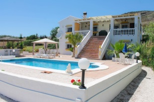 5 bed Detached home in Andalusia, M�laga...