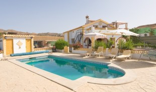 5 bedroom Detached house in Andalusia, M�laga...