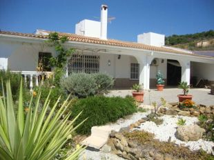 4 bedroom Detached Villa in Andalusia, M�laga, Guaro