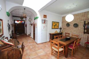 4 bedroom Town House in Yunquera, Málaga...