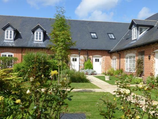 16 Home Farm -...