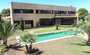 Villa for sale in Cabo Roig, Alicante...