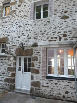 4 bed Cottage in MAYENNE , FRANCE