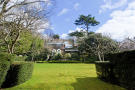 6 bedroom Detached property in Robin Grove, Highgate