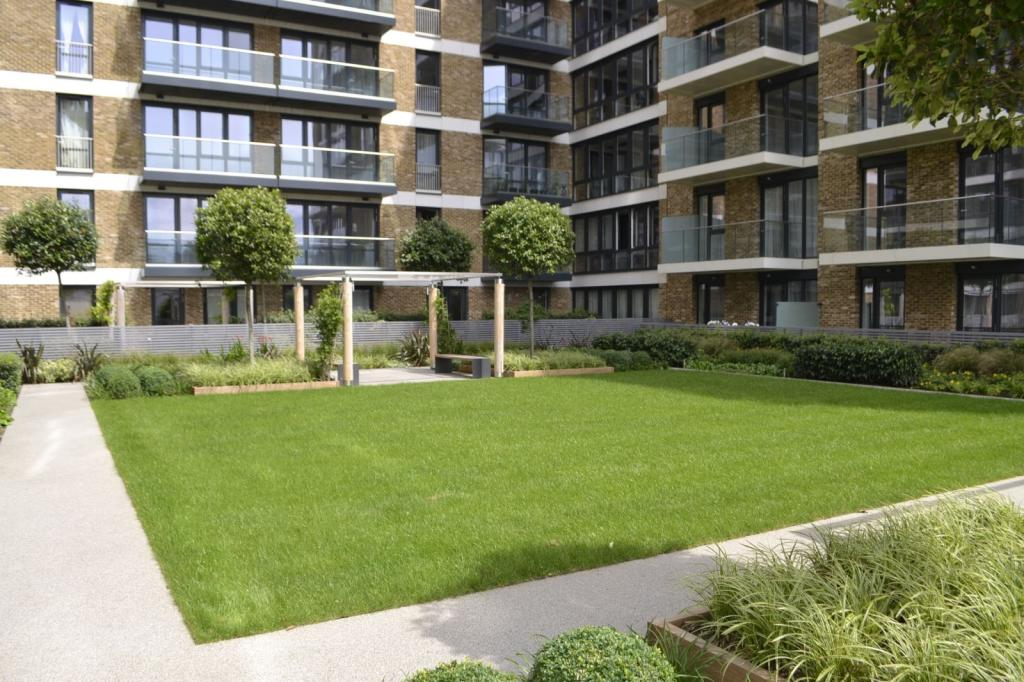 3 Bedroom Apartment For Sale In Cannon Square Woolwich Se18 Se18