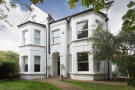 Detached Villa to rent in Dulwich Wood Avenue,