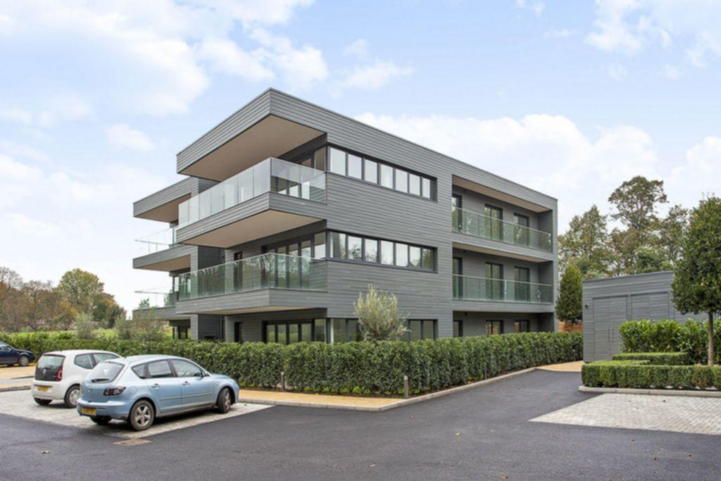 3 Bedroom Apartment For Sale In Royal Swiss Apartments Queens Ride Barnes Sw13 Sw13