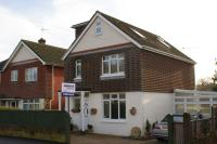 4 bedroom Detached house in Longwood Avenue, Cowplain