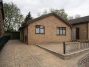 2 bed Detached Bungalow in Tiercel Mews, Dinnington...