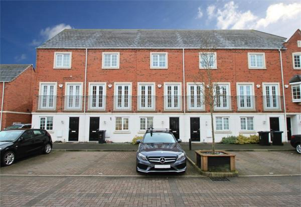 3 bedroom town house for sale in donnington court dudley