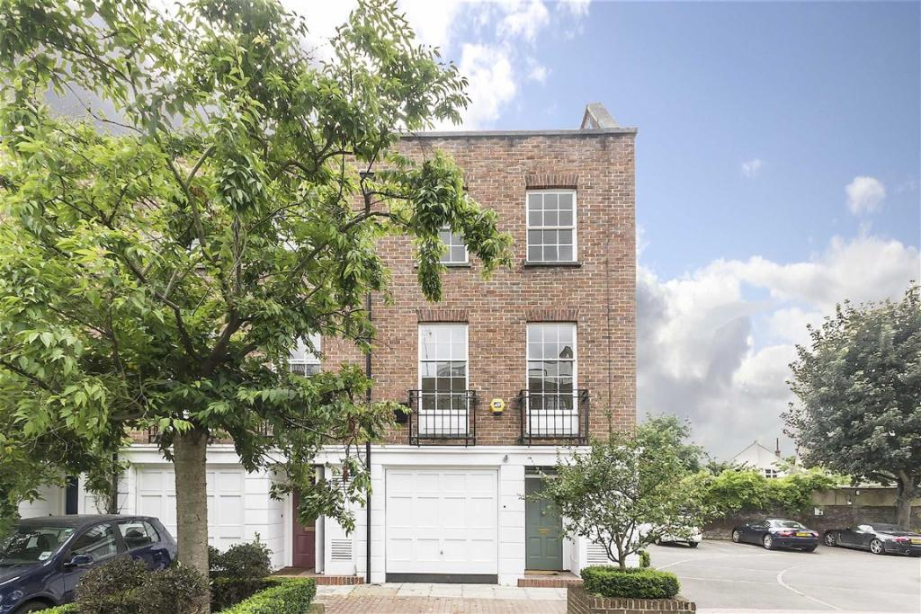 Property For Sale In Chiswick Mall