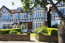 6 bed property in Loveday Road, Ealing