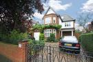 7 bed house in Tring Avenue, Ealing