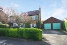 3 bed house in Priory Road, Hampton