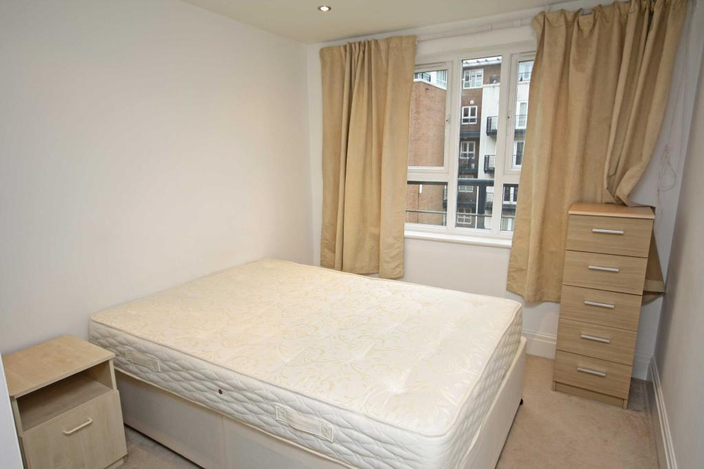 1 bedroom flat for sale in royal quarter kingston upon