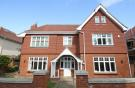 7 bedroom home in Kingston Vale, London