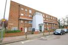 Flat in Frensham Drive, London