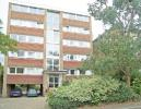 2 bedroom Flat in Kelvin Court...
